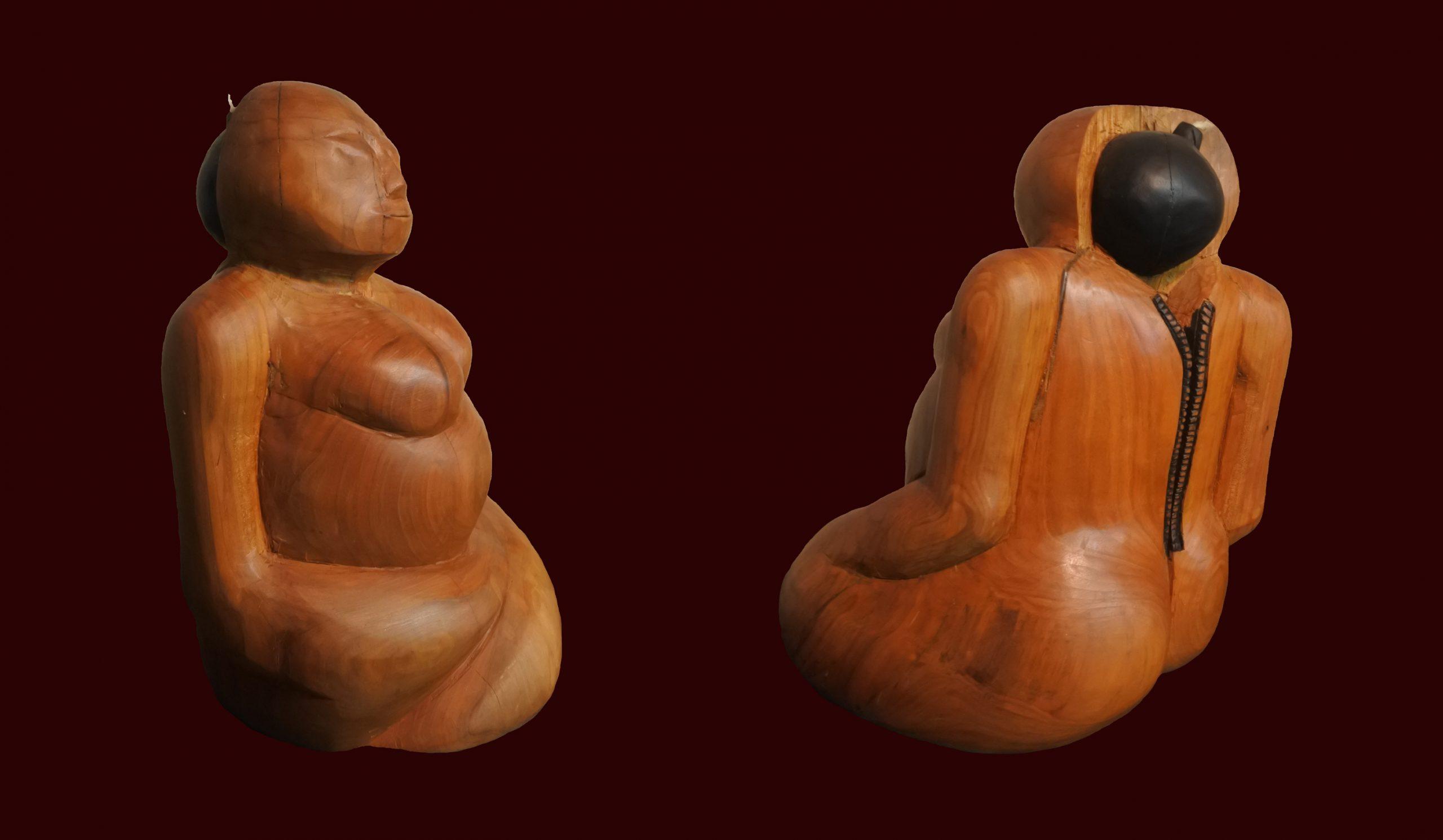 Photo de face et de dos de la sculpture, Fanati